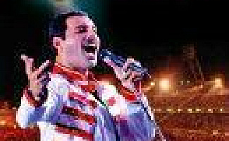 Queen - Hungarian Rhapsody  Live In Budapest